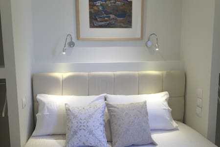 SMALL LUXURY STUDIO AT BEST LOCATION! - Athina - Appartement