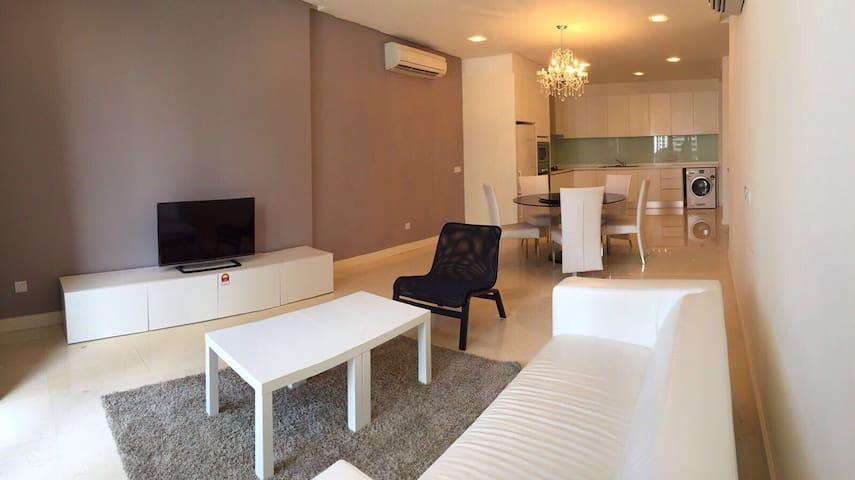 Luxurious Urban Master Room Heart Of Kuala Lumpur - Kuala Lumpur - Kondominium