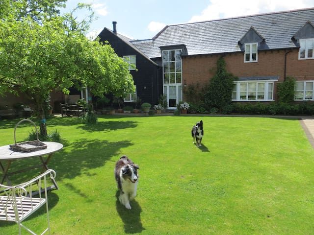 Gorgeous Double rm in pretty village nr. Wantage