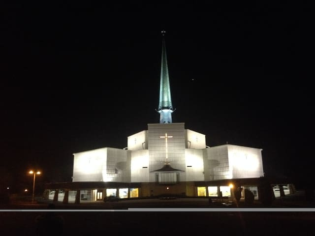 Beautiful view of Knock Shrine - Knock - Kondominium