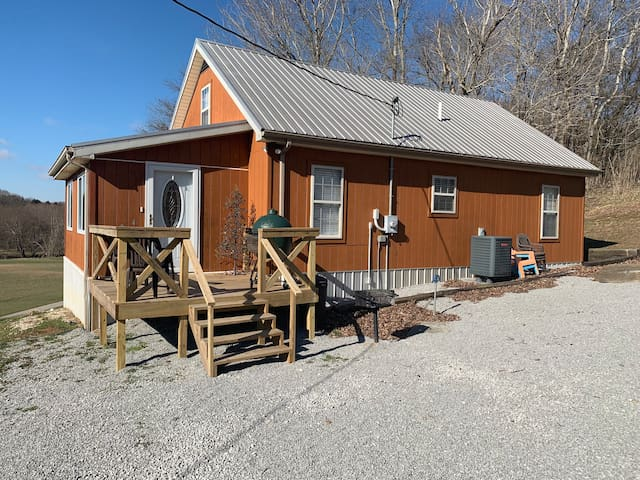 Steep Hollow Cabin on Green River - Pet Friendly!