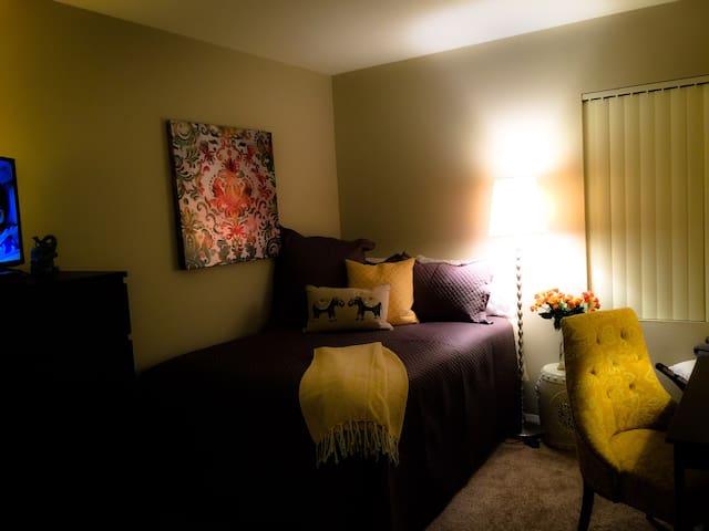 R4R Nestled in Charming Old Bellevue - Bellevue - Appartement