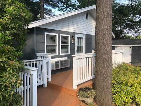Kittery Inn & Suites - Private Two Bedroom Cabin