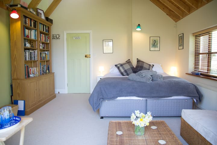 Ground Floor Garden Room with super king size bed - West Wittering - Huis