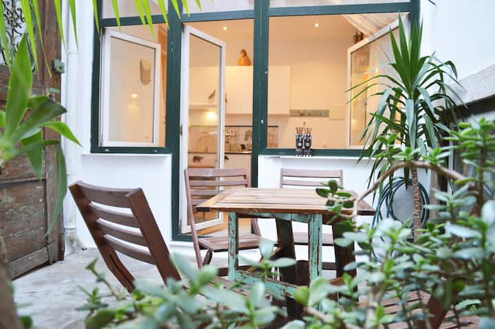 nature private patio apartment bairro alto