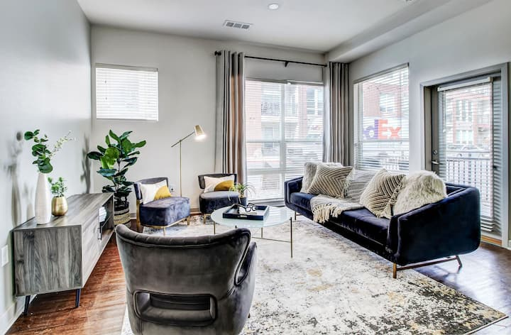Clean, comfortable apartment | 1BR in Denver