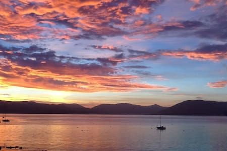 Stunning Views. Frontline Apartment, Gourock. - Gourock - Apartment