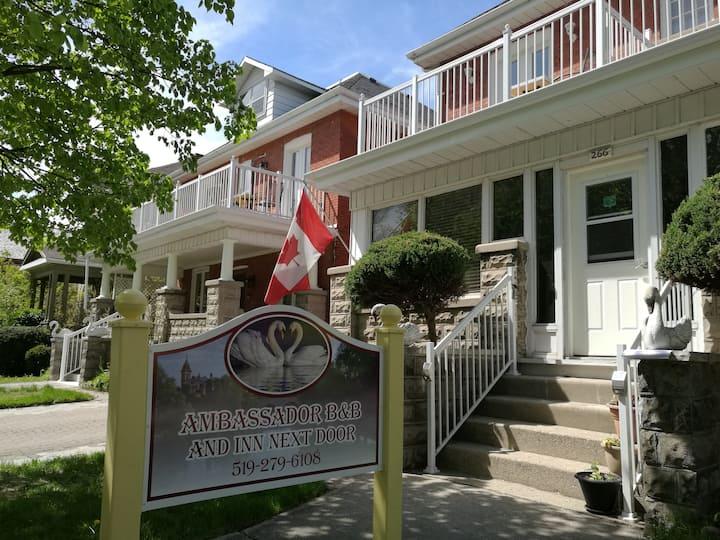 Luxury Suite of Ambassador's Inn Next Door