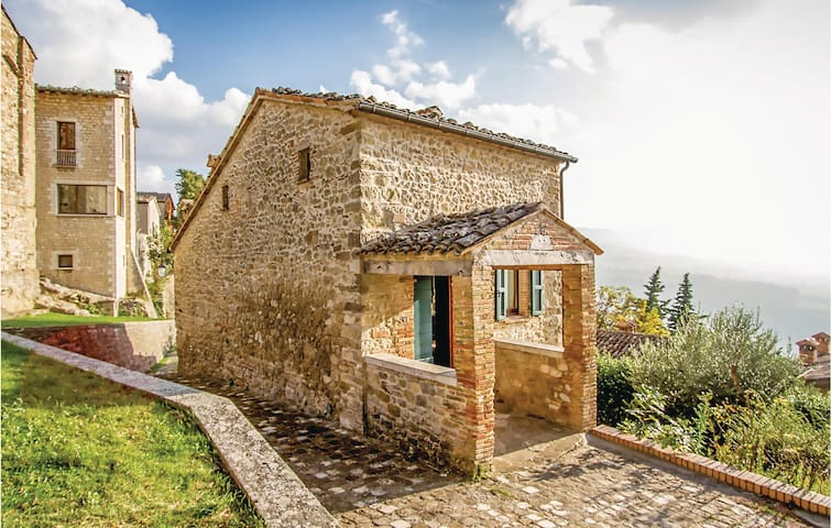 Semi-Detached with 1 bedroom on 120m² in San Leo RN