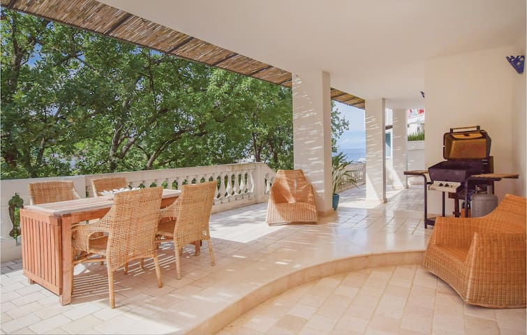 Holiday apartment with 2 bedrooms on 65m² in Ischia