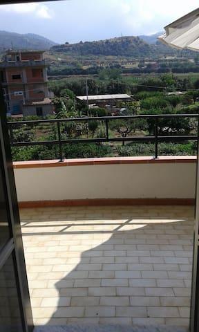 Oliveri Appartamento con balcone panoramico