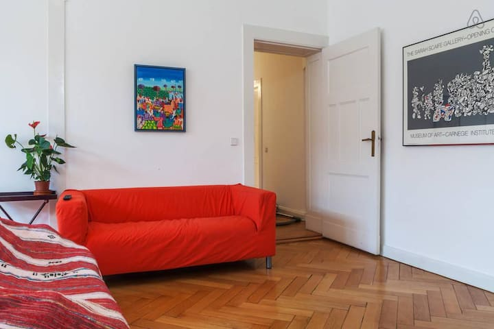 HUGE BEAUTIFUL ROOM – BERLIN - Berlín - Bed & Breakfast