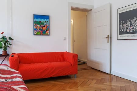 HUGE BEAUTIFUL ROOM – BERLIN - Berlin - Bed & Breakfast