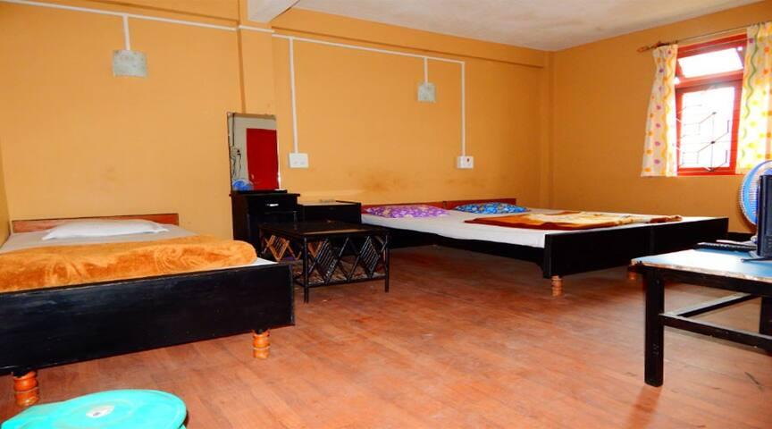 3 BEDDED ROOM/ BASS GHARI/ CHIMAL - Kalimpong - Pension