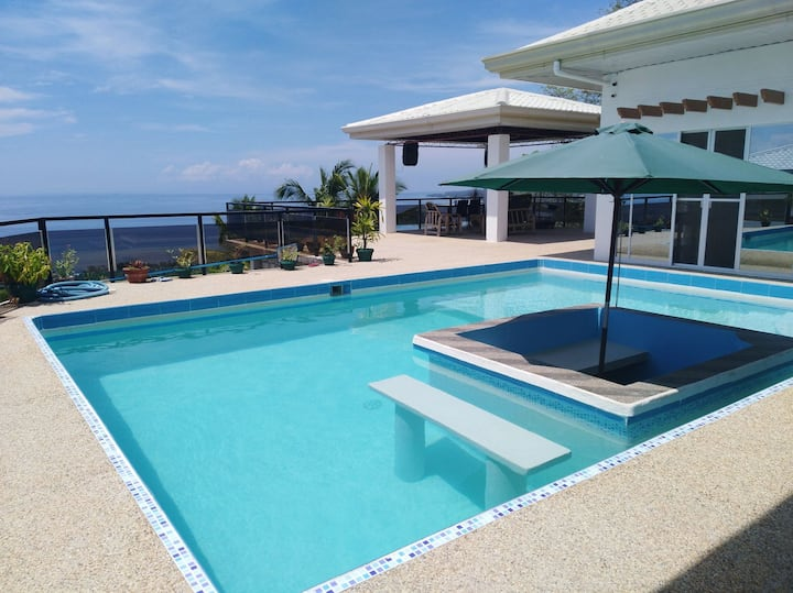 Seaview Mansion Dalaguete-Apartment 5 /Family Room