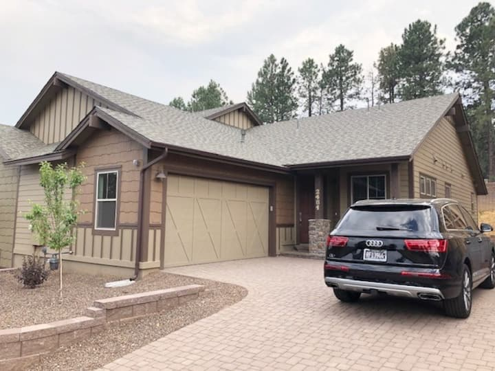 Gorgeous New Contemporary Flagstaff Home