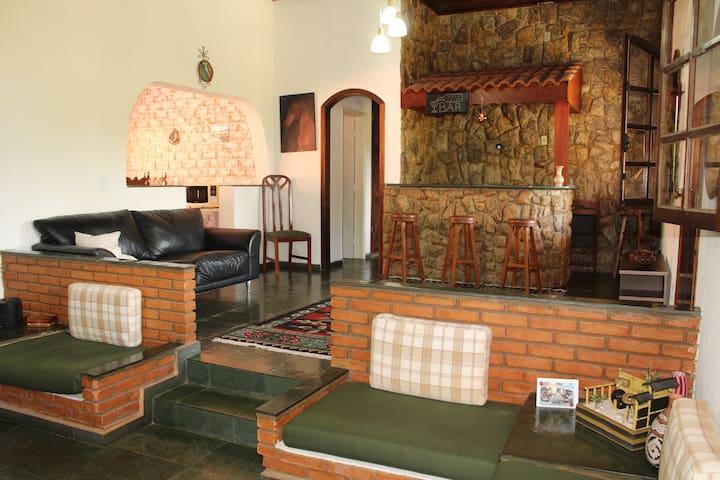 (Mor) Deliciosa casa de condomínio em Morungaba