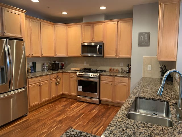 Condo in Country Club by RDU airport