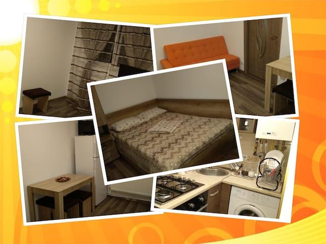 ⭐ Central Apartment - ac, wifi, netflix, kitchen.