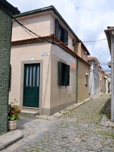 Ainda muito disponível – Porto - Casa