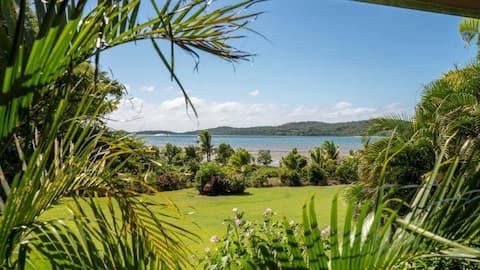 Oceanfront Studio, Stunning Island Views