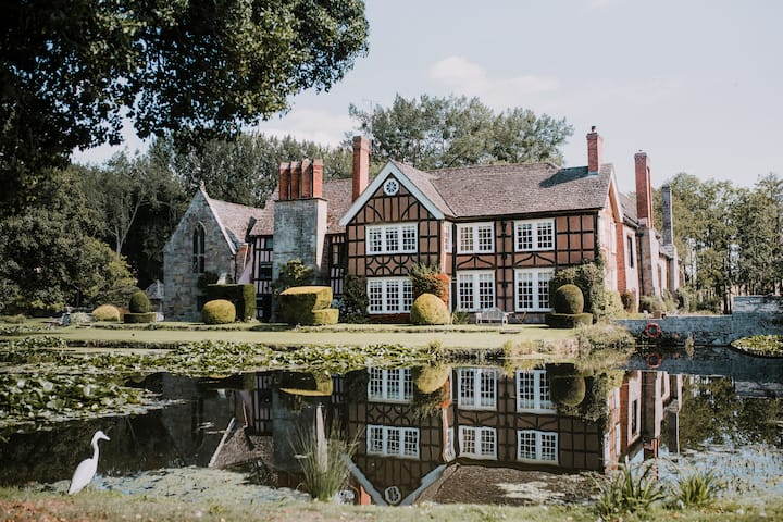 Bailey House at Brinsop Court Sleeps 6-8