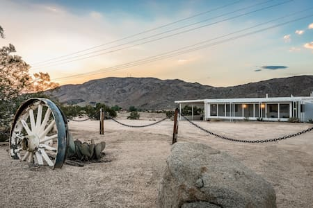 The Joshua Tree House of Whitmore