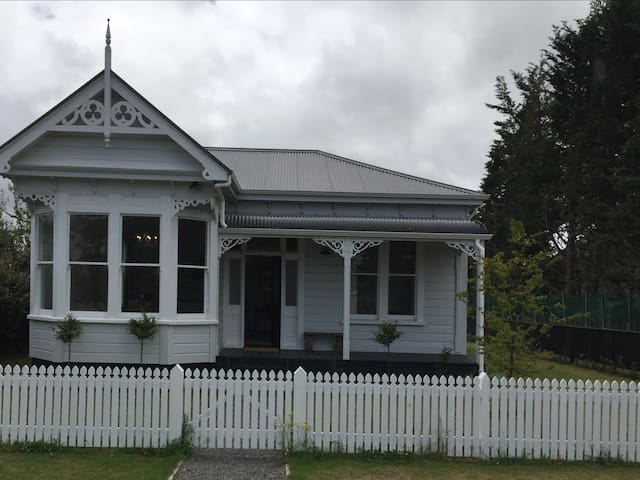 Regent Street, Martinborough