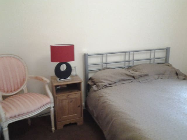 Large double room - Saffron Walden - Bed & Breakfast