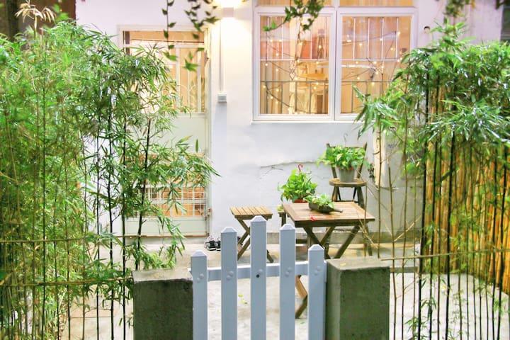 「鱼的院子」出门即江泰路地铁/速达中山大学北京路上下九广州南站琶洲长隆