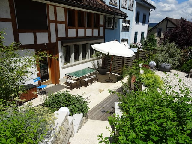 B&B in charming house, quiet, close to the lake