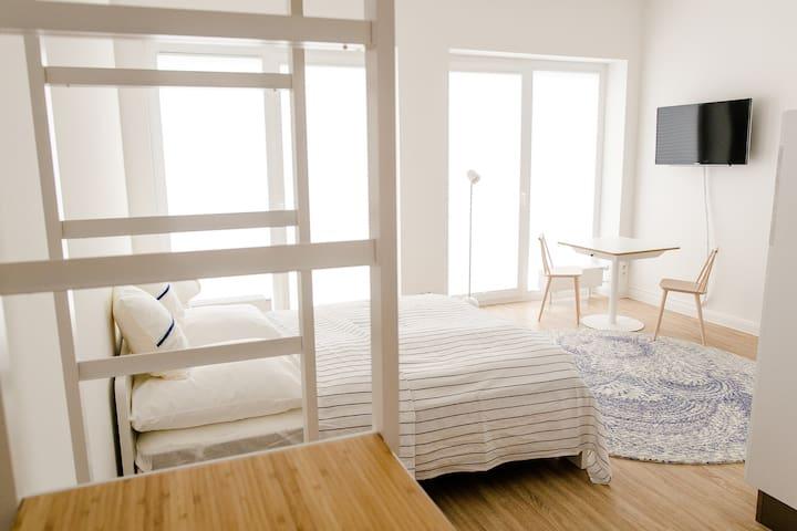 Louis & Louise - Apartment 105