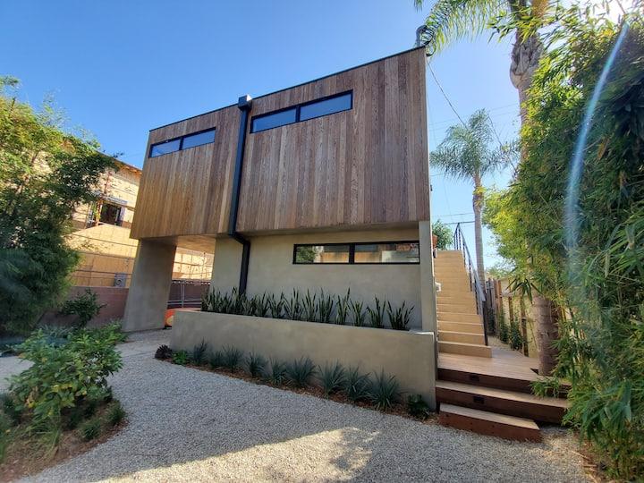 Newly renovated Venice Beach Studio
