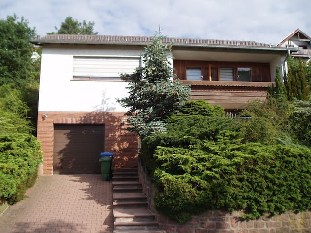 Etagenwohnung mit Garten im Odenwald