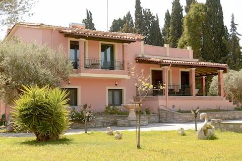 Μαρμάρινο Σπίτι .. Marble House, Ελλάδα