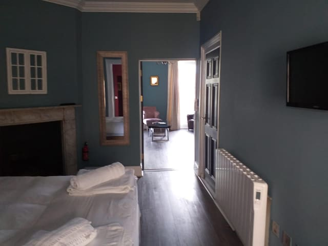 Beautiful private room with Liffey view Dublin 1