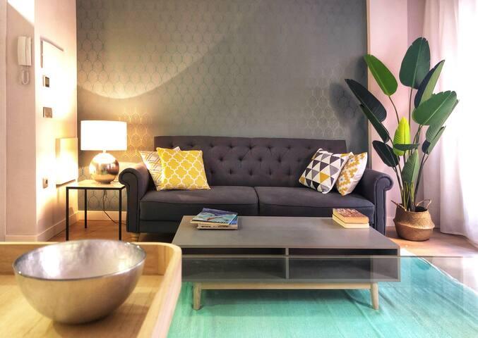 Salón cómodo y luminoso