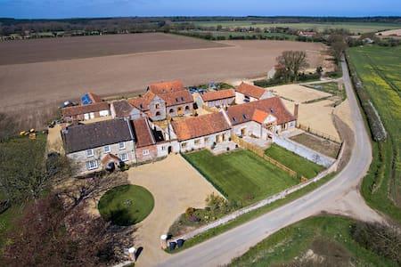 Hammond and Platford Barn - Holt