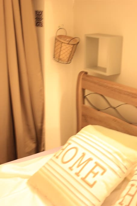 Double bed and air conditionned floor