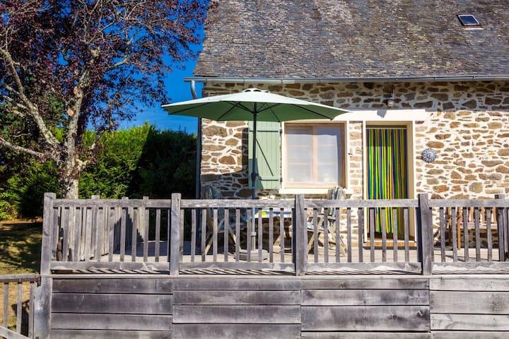 Vrijstaande luxe vakantiewoning met onheinde tuin