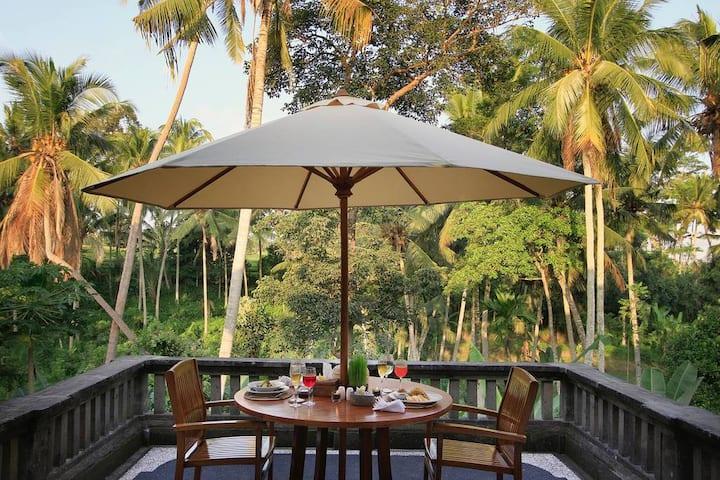"""75% OFF""  Casa Priya Ubud with Jungle view"