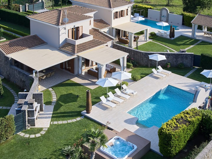 Villa Anna in Dassia, Corfu