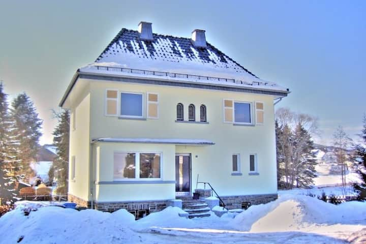 Villa moderna en Medebach cerca de la estación de esquí