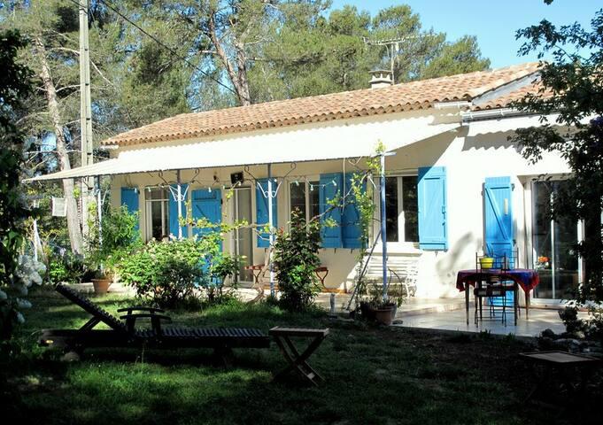 Maison entière entre Aix en Provence et Marseille - Mimet - Huis