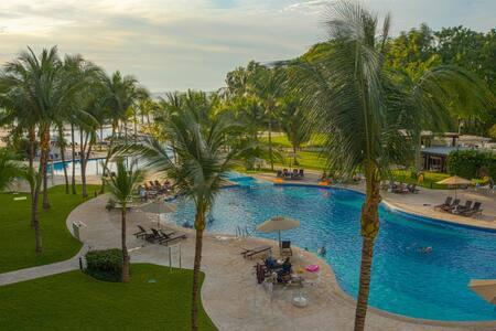 Premium oceanfront 1 BR apartment @ Villa Magna NV