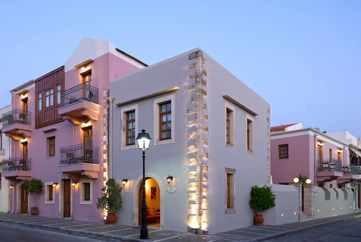 Exclusive suite in the old town of Rethymno
