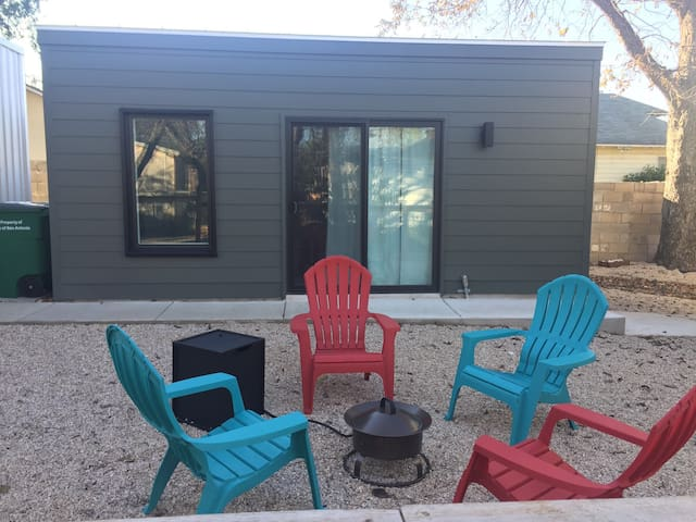 Brand New Modern Pod in Historic Dignowity Hill - San Antonio