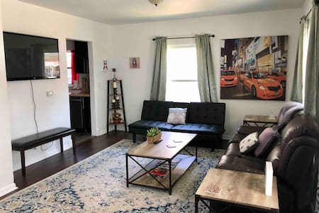 3 bedroom pet friendly home near downtown