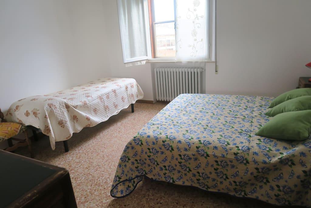 Camera Matrimoniale + letto singolo