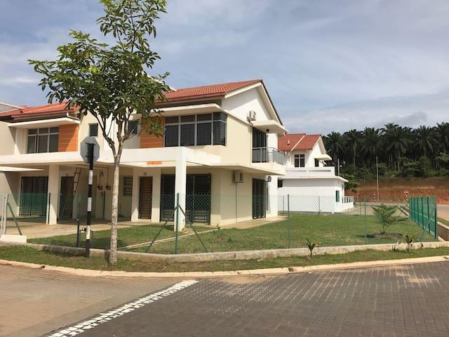 Guest House No. 1, KotaSas Kuantan - Kuantan - Hus